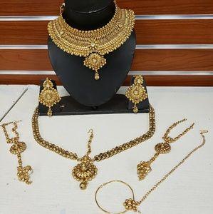 Dresses & Skirts - Bridal jewelry set